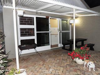 self catering accommodation port elizabeth unit 4