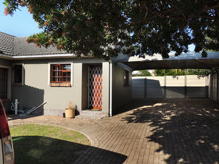 accommodation self catering port elizabeth unit 2