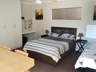 unit 2 port elizabeth self catering accommodation