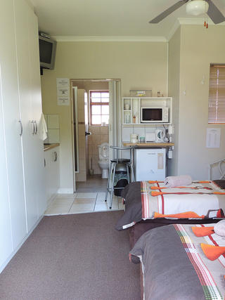 self catering port elizabeth accommodation unit 3
