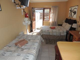 self catering accomdation port elizabeth unit 5 003