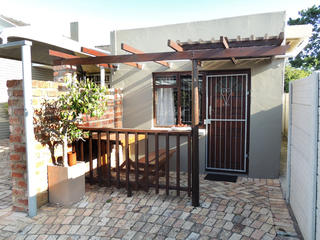 self catering port elizabeth accommodation unit 5